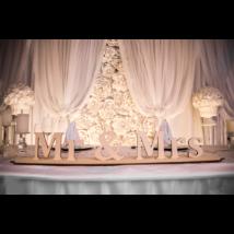 Esküvői Asztaldísz(Mr&Mrs talpas felirat)